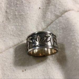 Pot leaf ring.